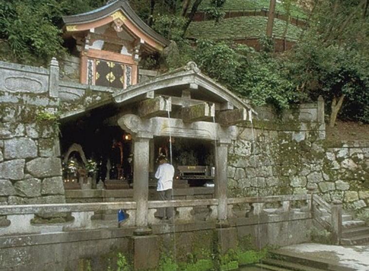 清水寺・本堂の「音羽の滝」