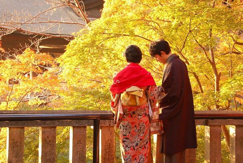 熱いデートで2人で鐘をつく!京都 清水寺 初詣(年末年始)の「混雑状況・おすすめ駐車場・営業時間(清水寺)交通規制・屋台(種類)」情報一覧