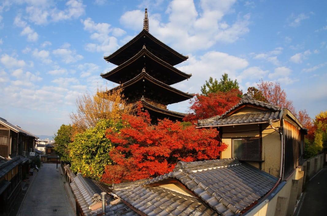 京都・清水寺の五重塔「歴史・由来・大きさ(高さ)・建築様式・建てた人」