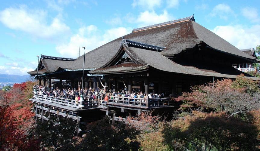 京都の名刹と謳われる「清水寺の舞台」も、まさか?!見れなくなる??
